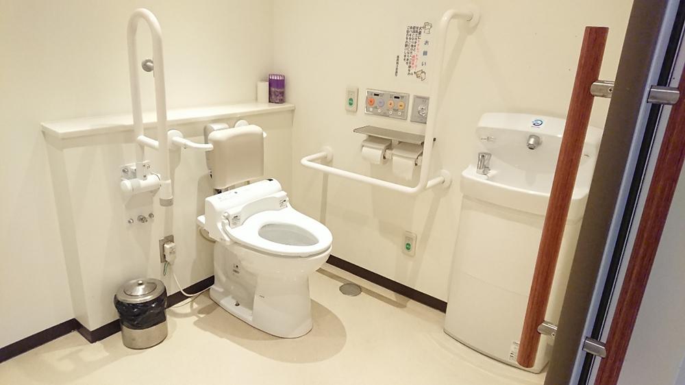 福岡商工会議所ビル 多目的トイレ